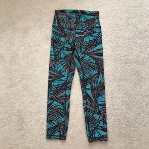 Lululemon. High Times Pant. Palm Lace Tofino Teal.